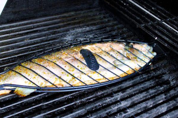Jim Beam Grillkorb für große Fische JB0116 / Edelstahl / robust / Parawoodholz