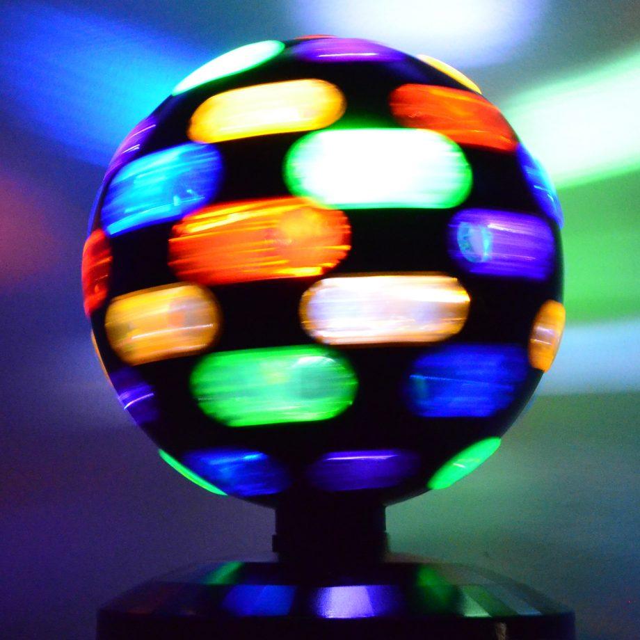 große diskokugel bunt alle farben