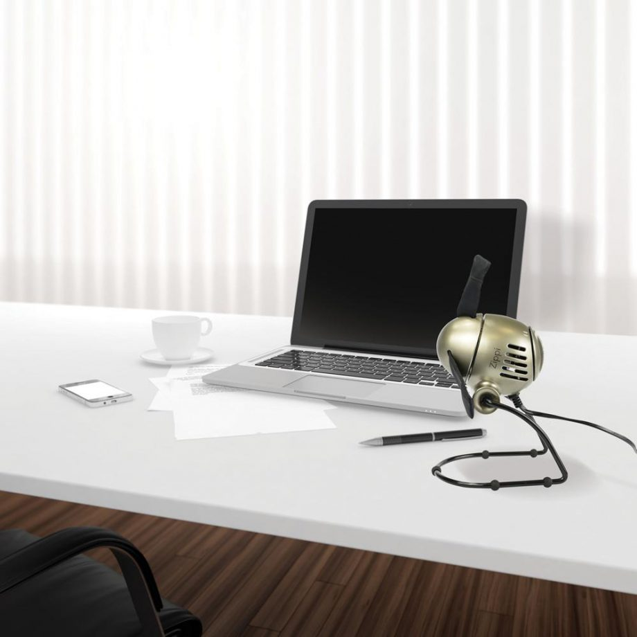kleiner büro ventilator silber